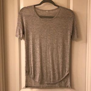 Lululemon gray sweater tee-shirt size 4/6